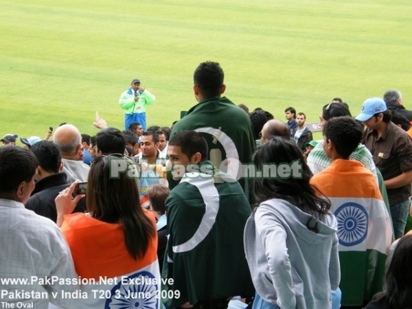 Pakistani and Indian supporters at The Oval