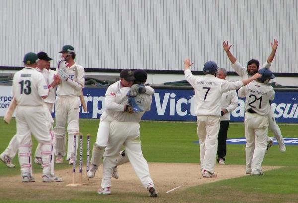 Mushy takes last wicket Sussex v Anotts 22 Sep 2006