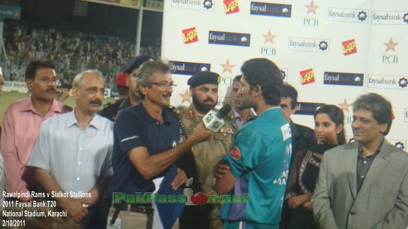 Captain Sohail Tanvir speaks at the presentation ceremony
