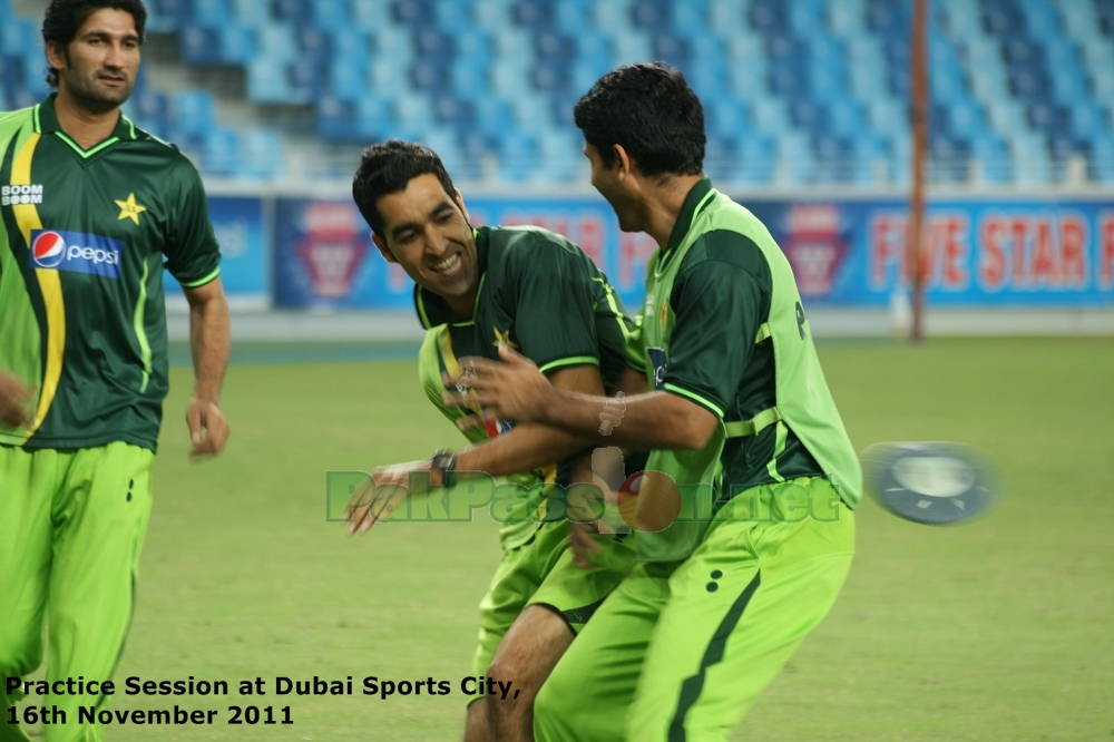 Pakistan vs Sri Lanka   3rd ODI   Dubai   18/11/11   Pre-Match Practice Pic