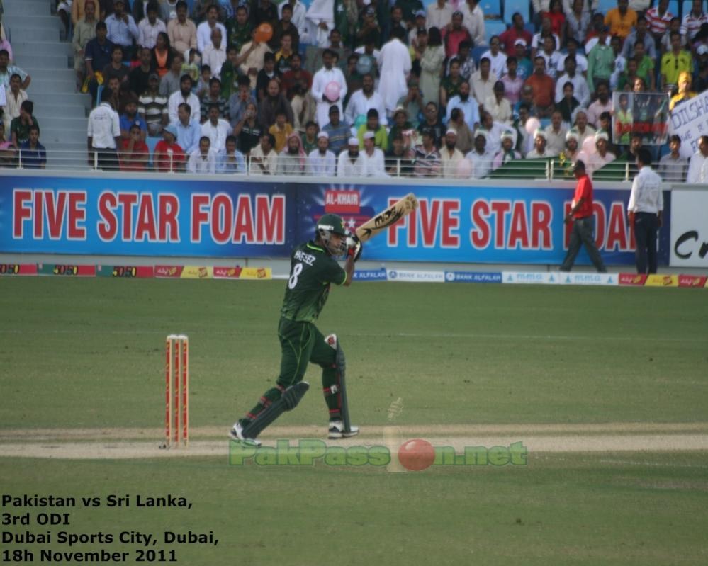 Mohammad Hafeez batting