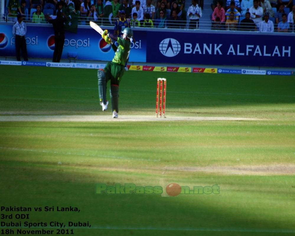 Imran Farhat goes for a pull shot