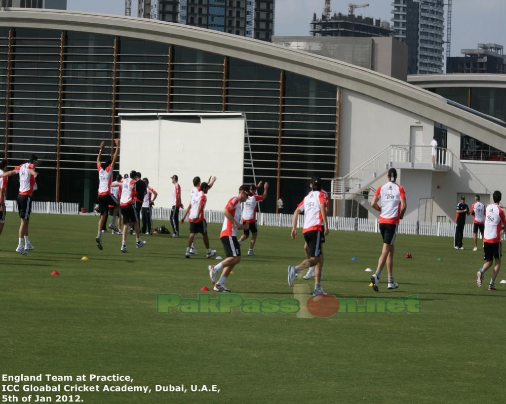 England_players_in_practice_drills_2