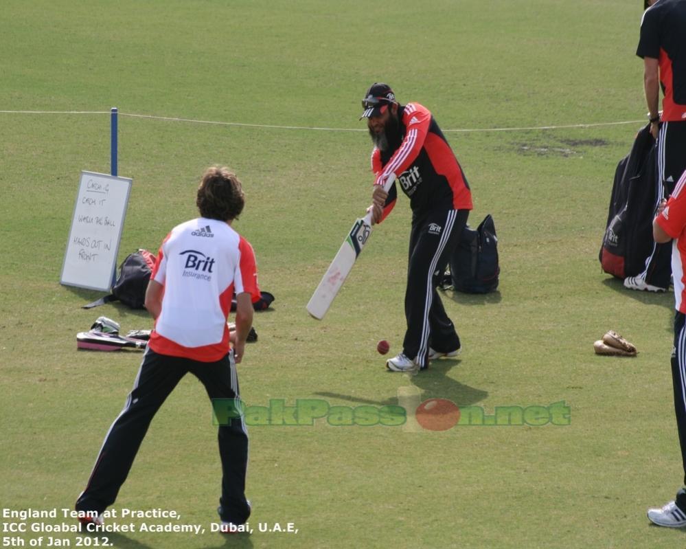Mushtaq Ahmed's catching lessons!