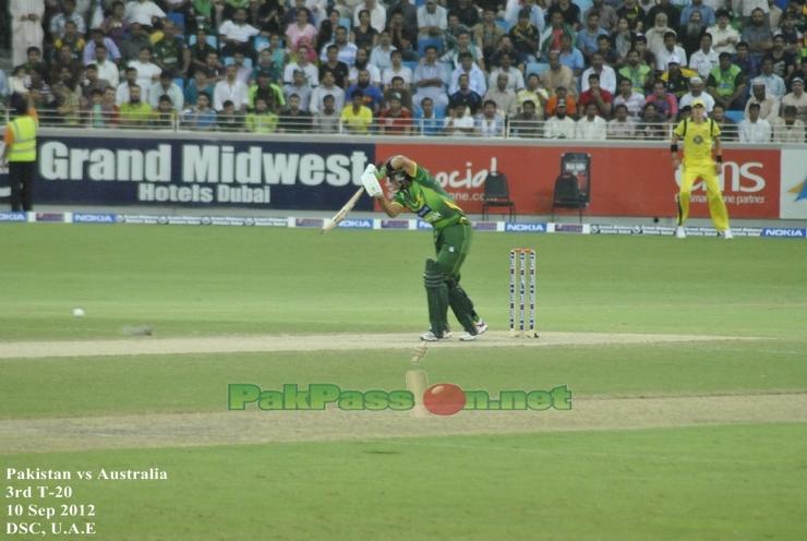 Muhammad Hafeez batting