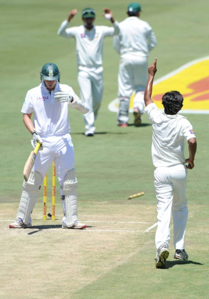 Rahat Ali bowls Abbott as he ended with 6 wickets