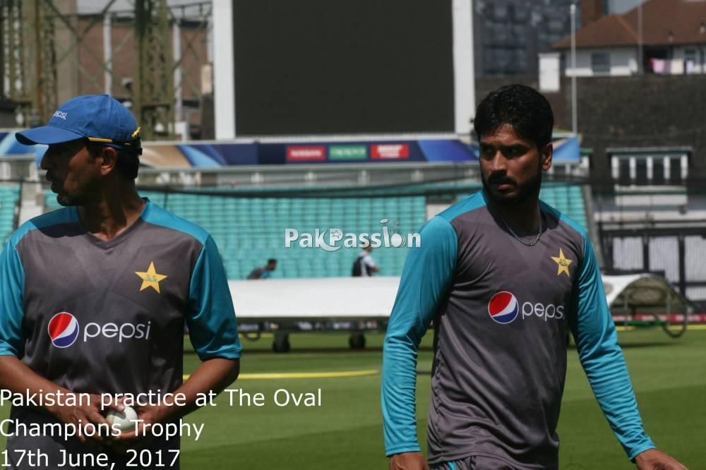 Azhar Mahmood and Rumman Raees