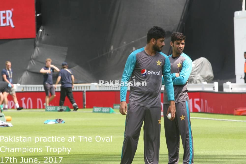 Rumman Raees and Shadab Khan