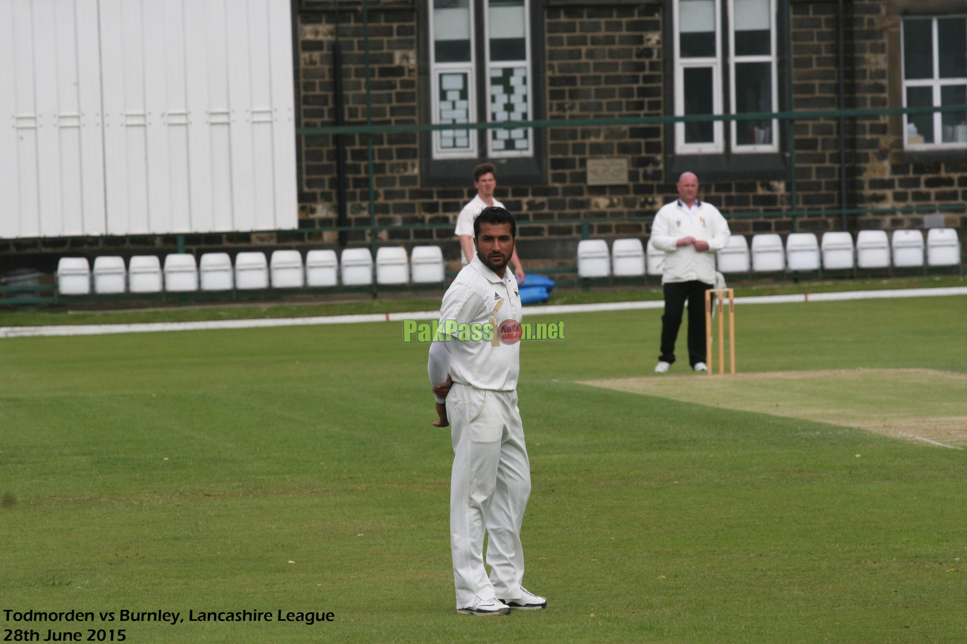 Pictures of Bilawal Bhatti playing in the Lancashire League